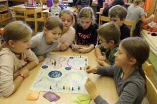Hra se dětem v družině ZŠ Mlýnská na Masarykově ulici v Mohelnici líbila